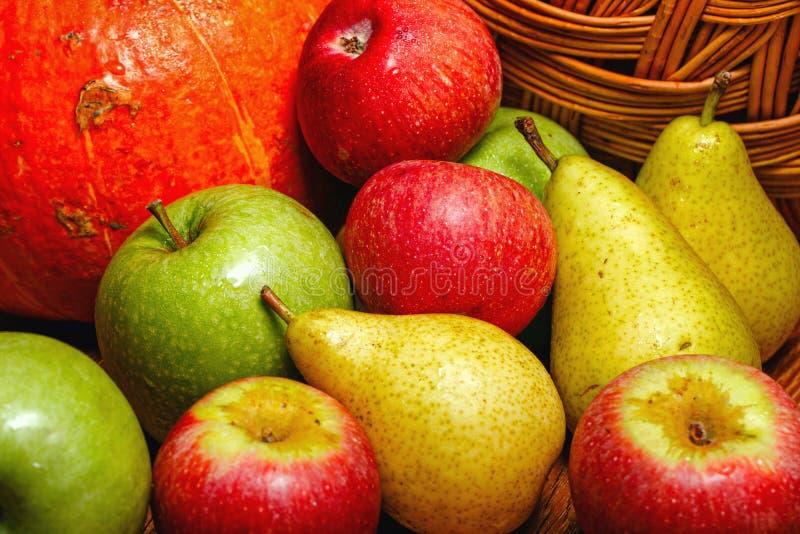 Apple, pera, calabaza foto de archivo libre de regalías