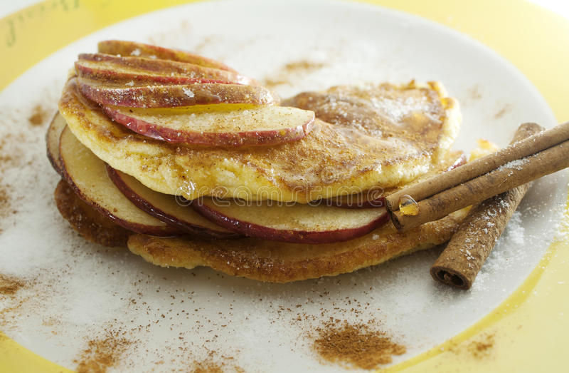 Apple-Pfannkuchen stockbilder
