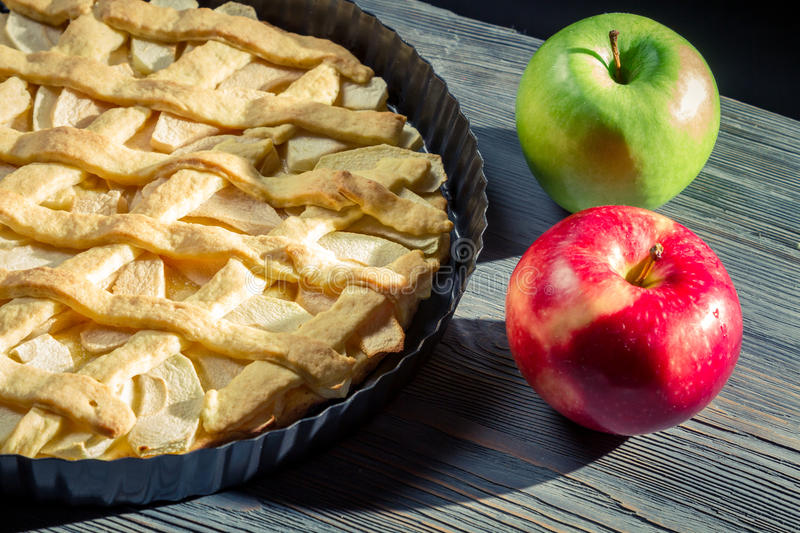Apple pie with apples royalty free stock photos