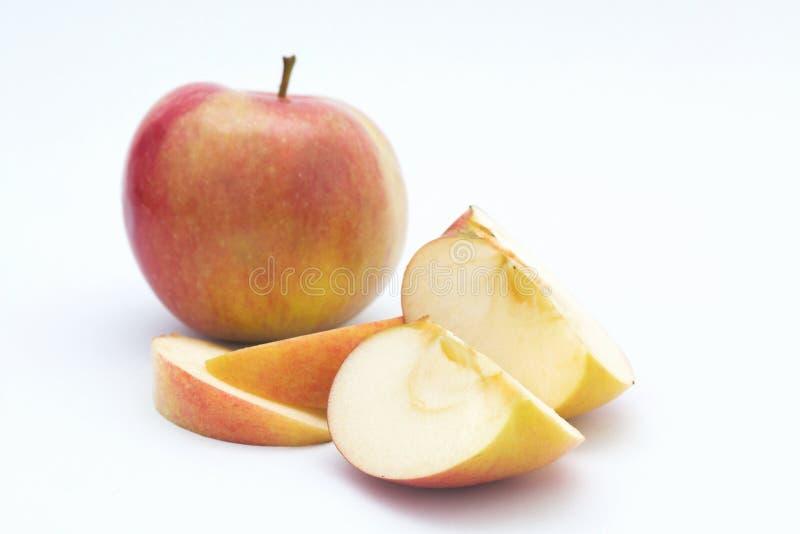 Apple schnitt beinahe ein stockbild
