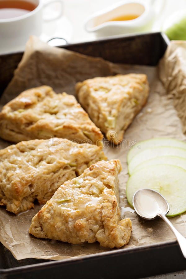 Apple-scones met glans royalty-vrije stock fotografie