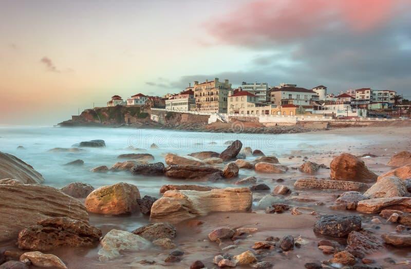 Apple setzen auf den Strand lizenzfreies stockbild
