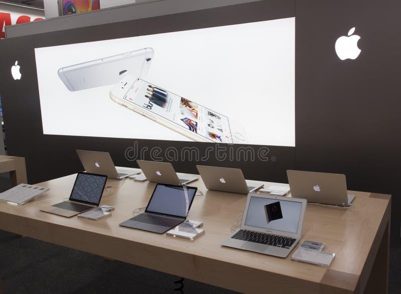 Apple shoppar i Amsterdam elektroniska apparater arkivfoton
