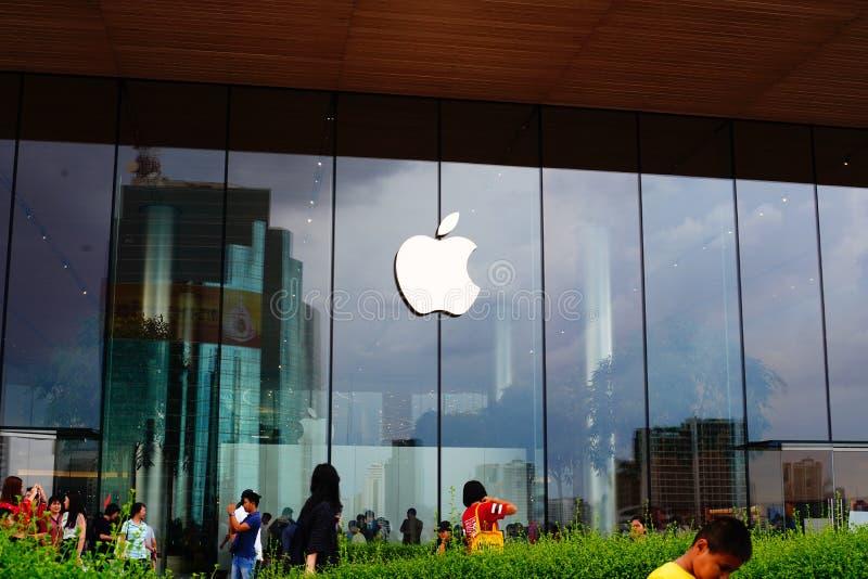 Apple-Speicher an Iconsiam-Einkaufszentrum Bangkok, Thailand am 23. Juni 2019 lizenzfreie stockfotografie