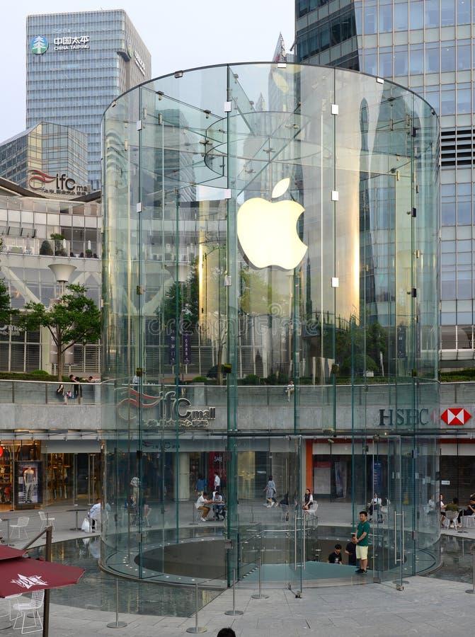 Apple speichern in der IFC-Mitte in Shanghai, China lizenzfreies stockbild