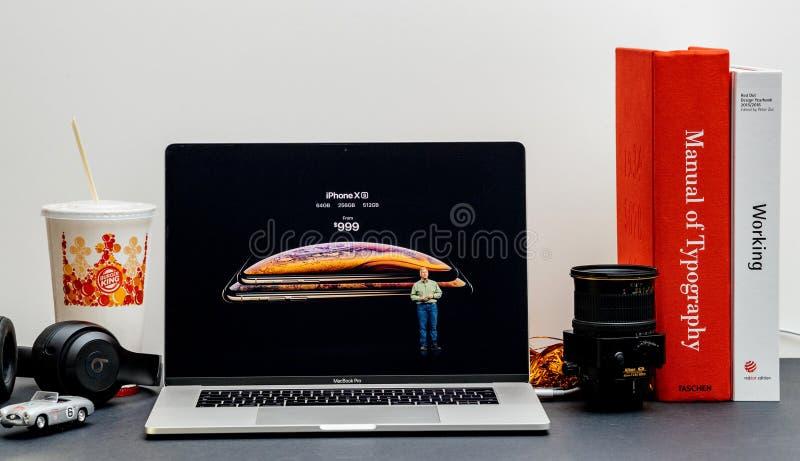 Apple starten iPhone X s maximal und X R lizenzfreie stockfotos