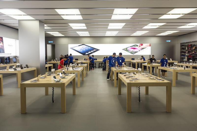 Download Apple Store Is Beginning Open Editorial Photo - Image: 26851926