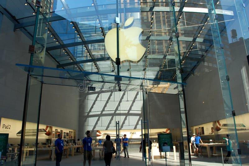 Apple Store di vetro a New York City fotografia stock libera da diritti