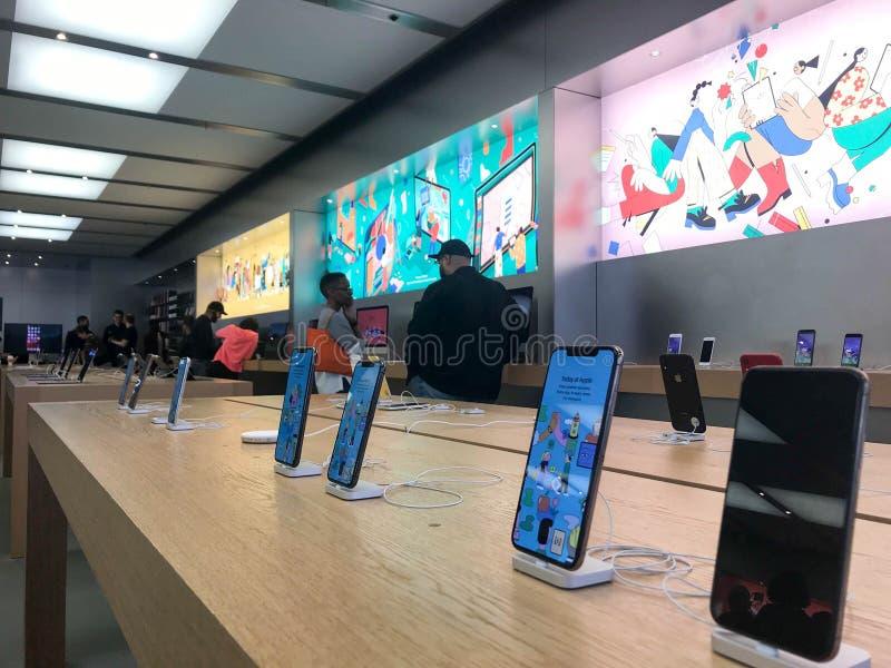 Apple Store en Londres imagen de archivo libre de regalías