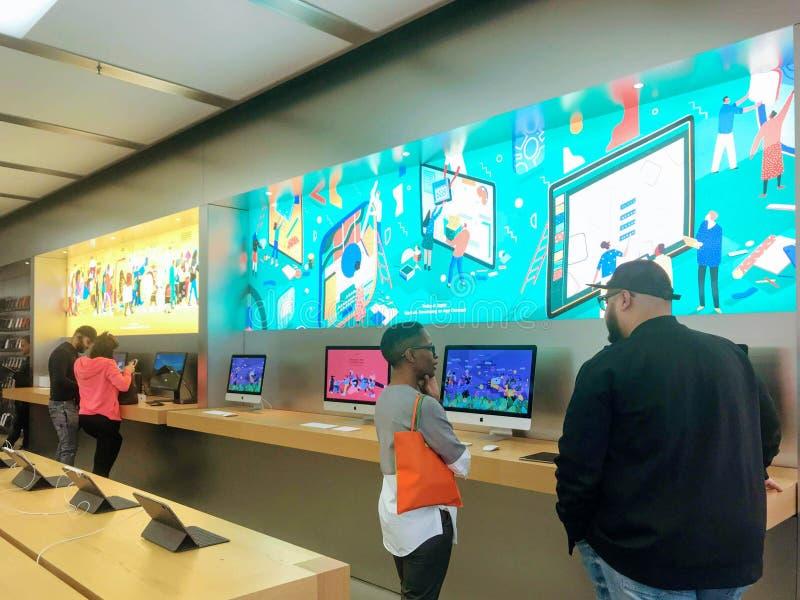 Apple Store in Londen stock afbeelding