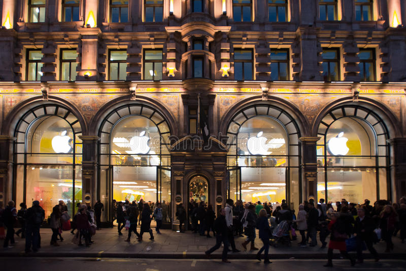 Apple Store in London lizenzfreie stockbilder