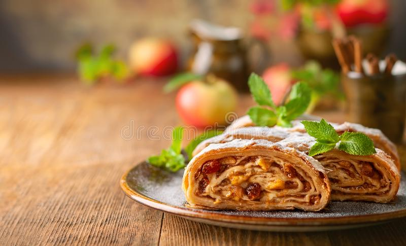 Apple strudel royaltyfri foto