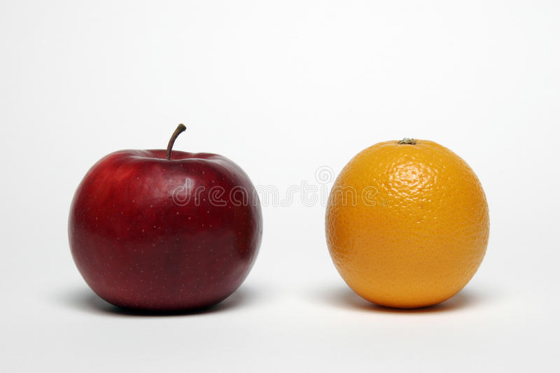 Apple und Orange lizenzfreie stockfotos
