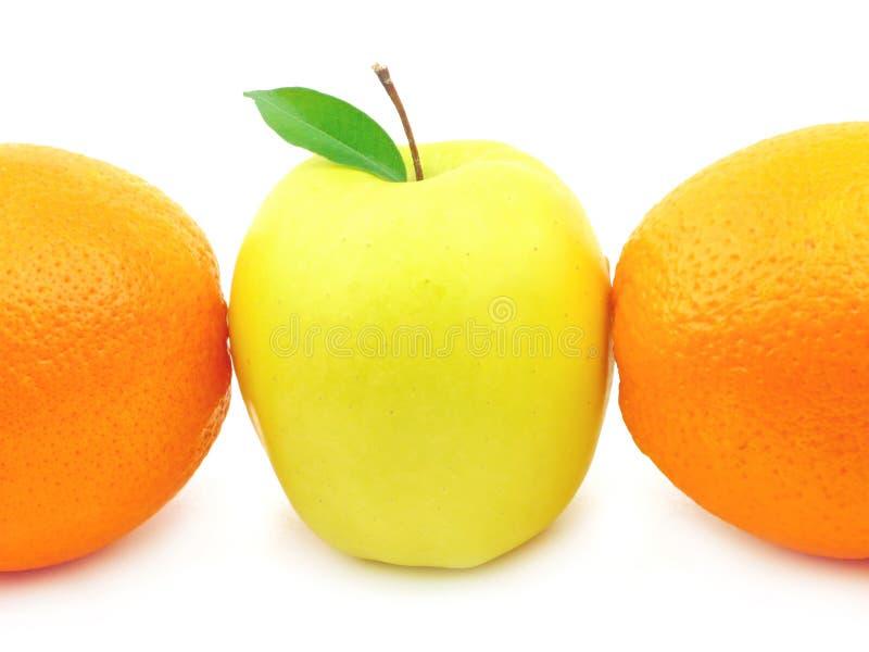 Apple und Orange stockbild