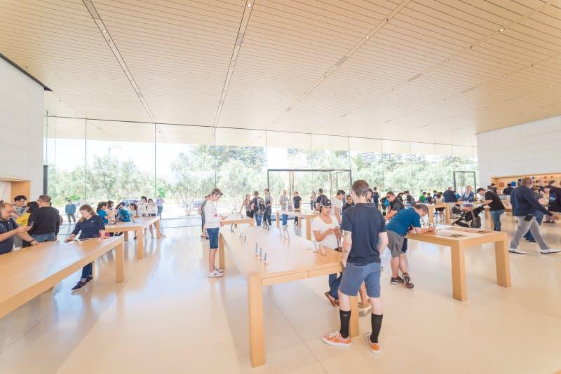 Apple verkaufen Einzelhandelsgeschäft in der Apple-Park-Besucher-Mitte stockfoto