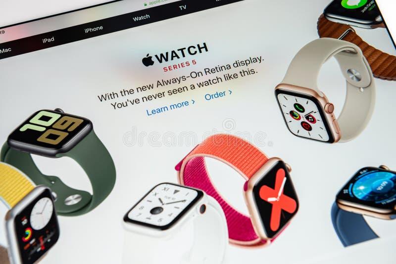 Apple Watch Series 5 Release News stock afbeelding