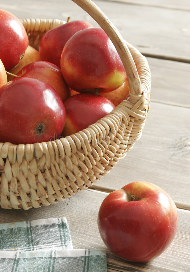 Free Apples Stock Images - 5439324