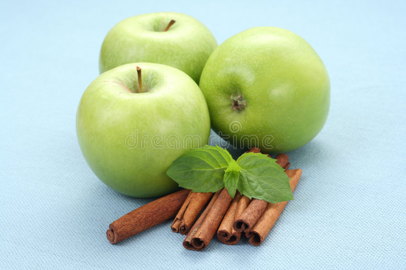 Apples and cinnamon royalty free stock photo