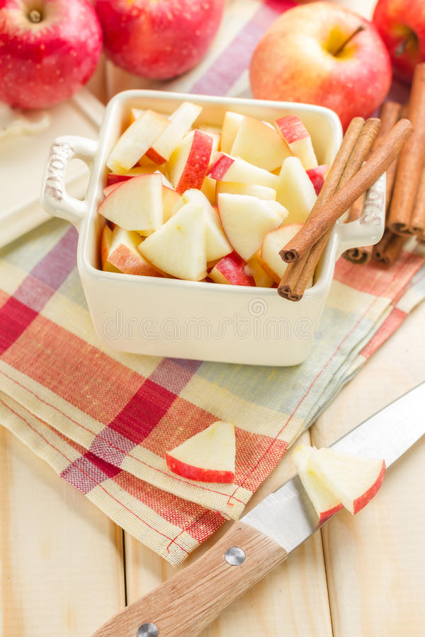Apples With Cinnamon Royalty Free Stock Images