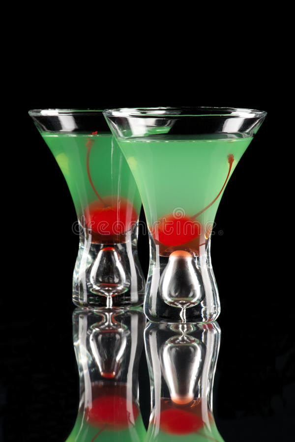 Appletini - de Meeste populaire cocktailsreeks stock afbeeldingen