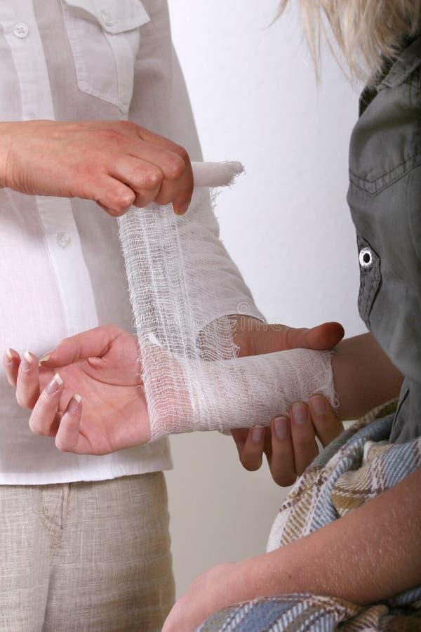Applicazione della fasciatura per la manopola immagine stock libera da diritti