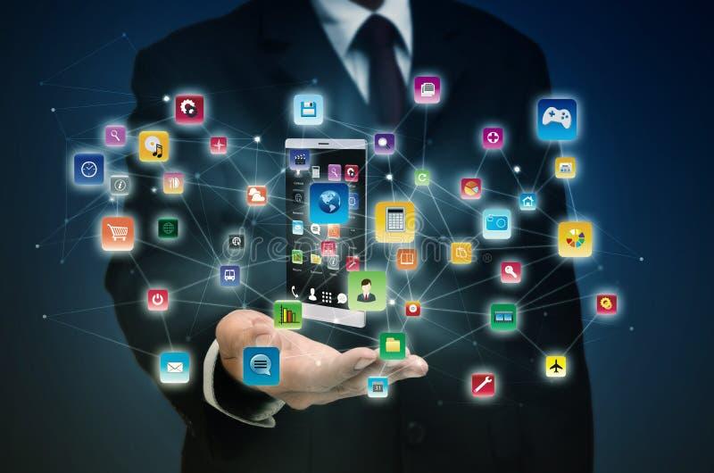 Applicazione dello Smart Phone su Internet fotografia stock