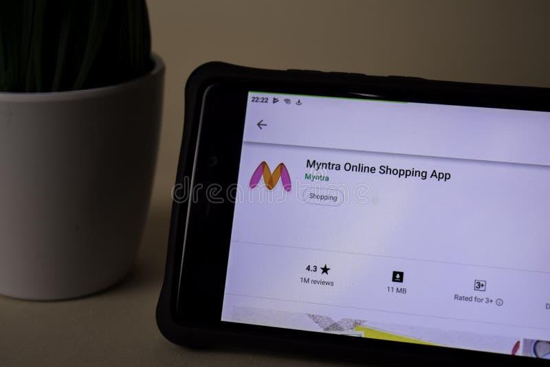 Applicazione dello sviluppatore di Myntra sullo schermo di Smartphone L'acquisto online è un web del freeware immagini stock