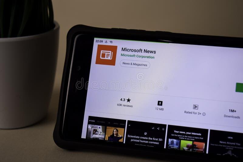 Applicazione dello sviluppatore di notizie di Microsoft sullo schermo di Smartphone Le notizie di Microsoft sono un freeware fotografia stock libera da diritti