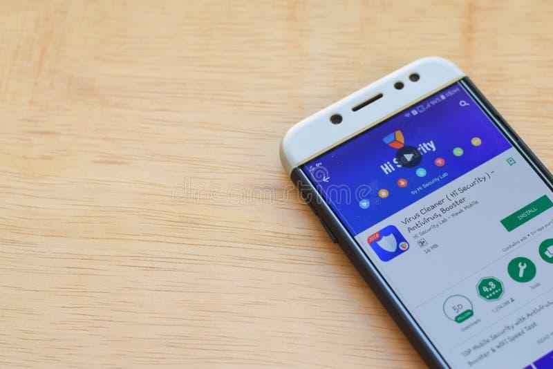 Applicazione dello sviluppatore di sicurezza del pulitore del virus ciao sullo schermo di Smartphone L'antivirus, ripetitore è un immagini stock