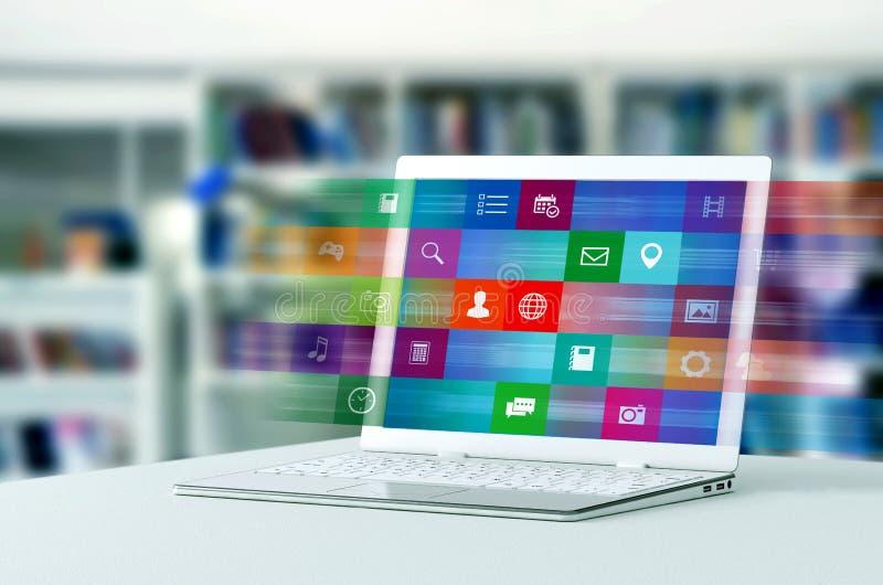 Applicazione di Internet sul computer portatile immagini stock