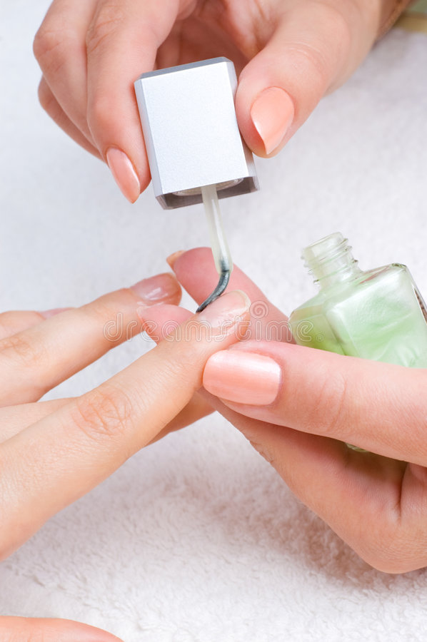 applicera manicuren royaltyfri bild