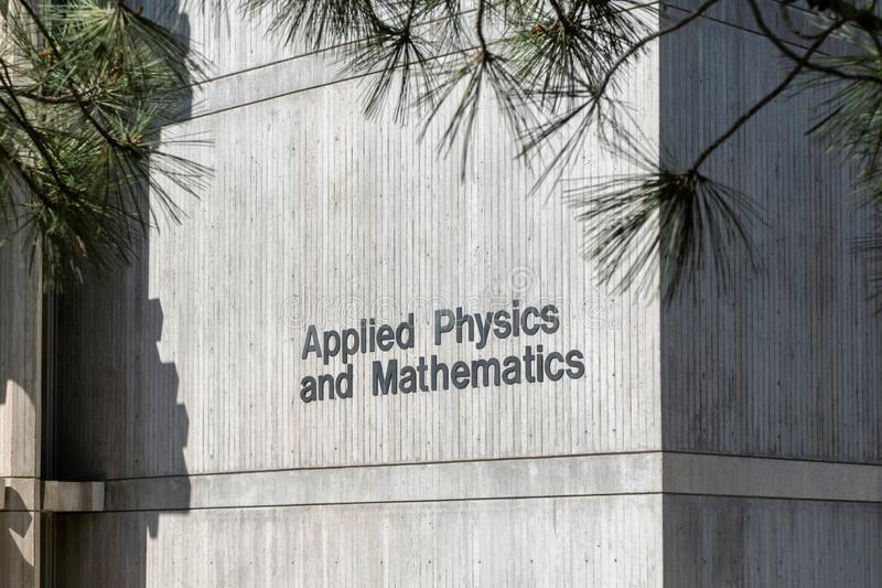 Applied Physics and Math Building vid University of California, San Diego arkivfoto
