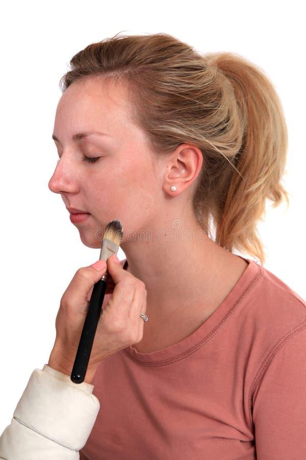 Applyingh makeup στοκ εικόνες