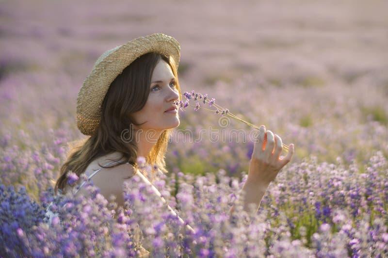 Apprécier le parfum image stock