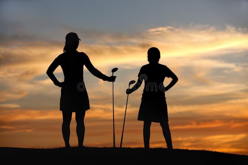 Appréciez la vue sur le terrain de golf. photos libres de droits