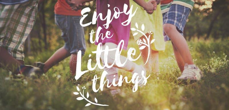 Appréciez le concept d'amusement de liberté de mode de vie de bonheur image libre de droits