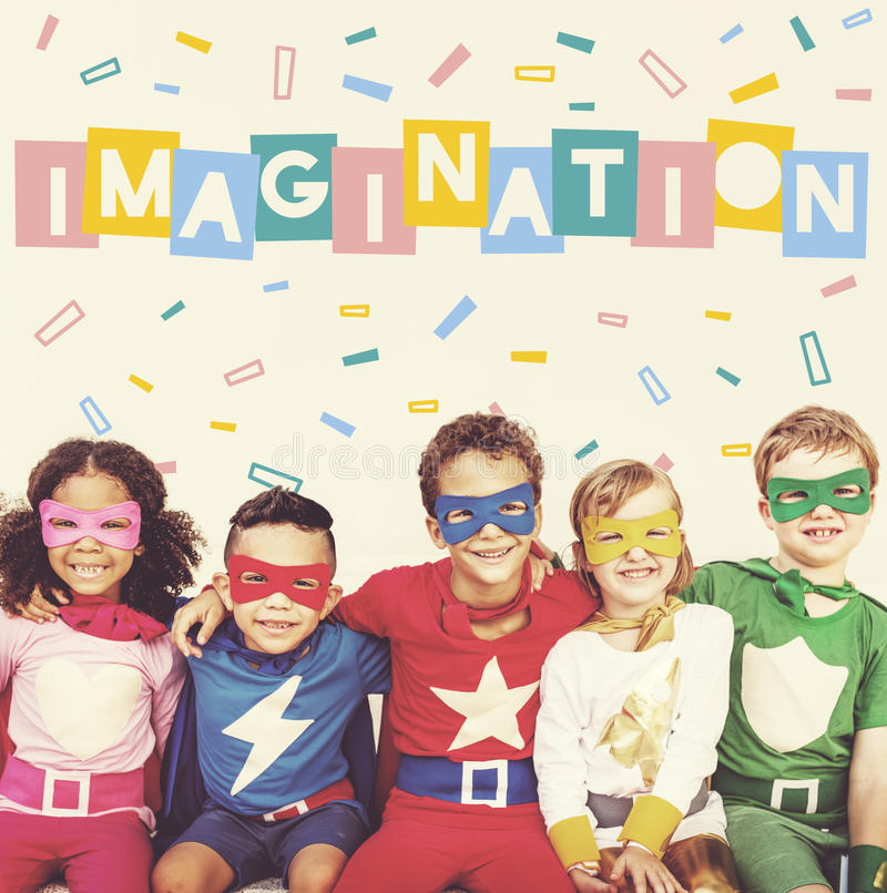 Appréciez le concept heureux d'enfants d'imagination photo stock