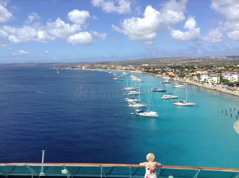 Appréciez le soleil dans Bonaire photo stock