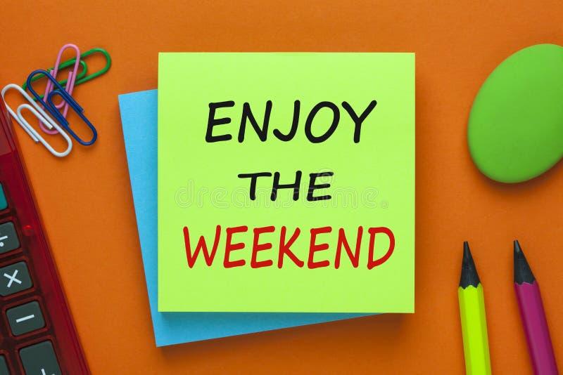 Appréciez le week-end image stock