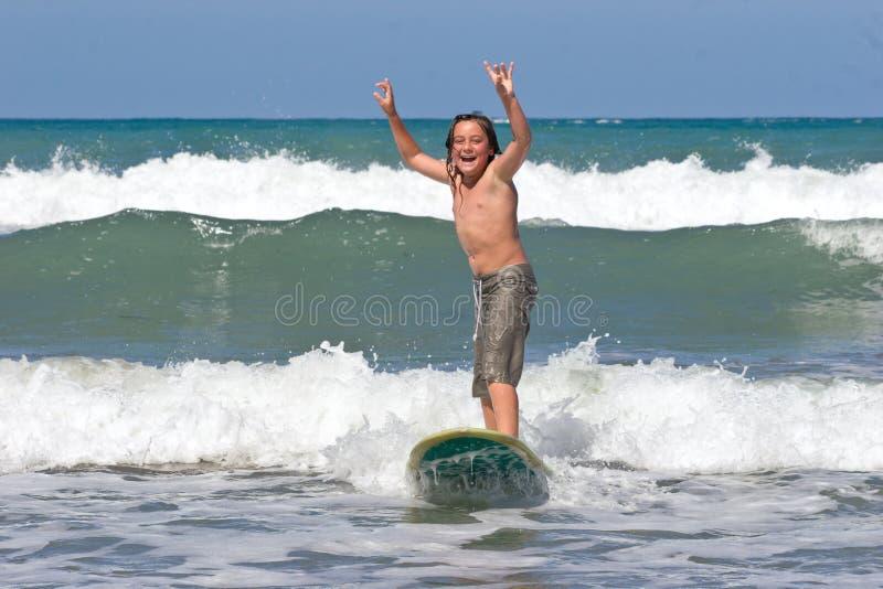 Apprendimento praticare il surfing 04 fotografia stock libera da diritti