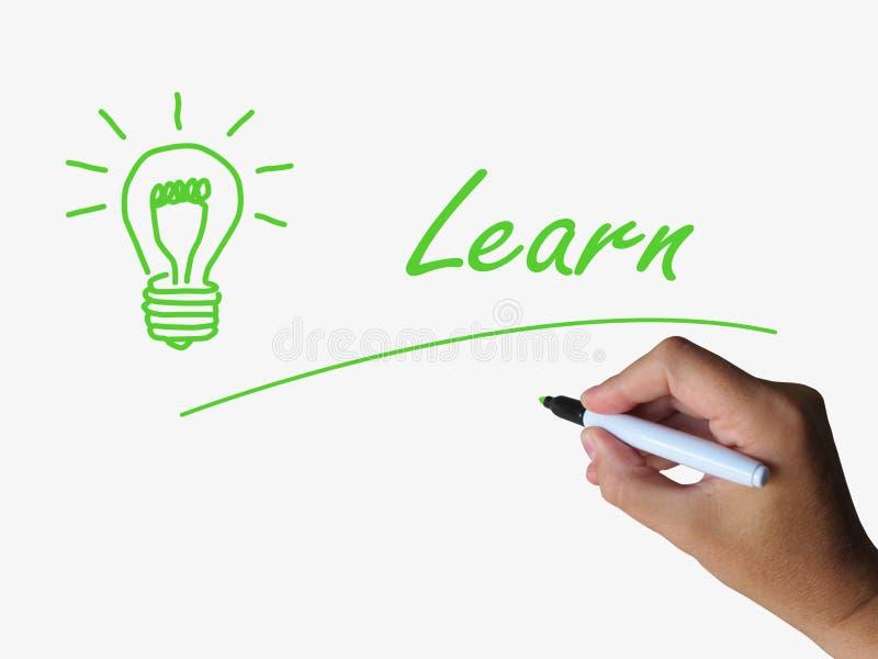 Apprenez et ampoule signifie la formation et l'étude illustration libre de droits