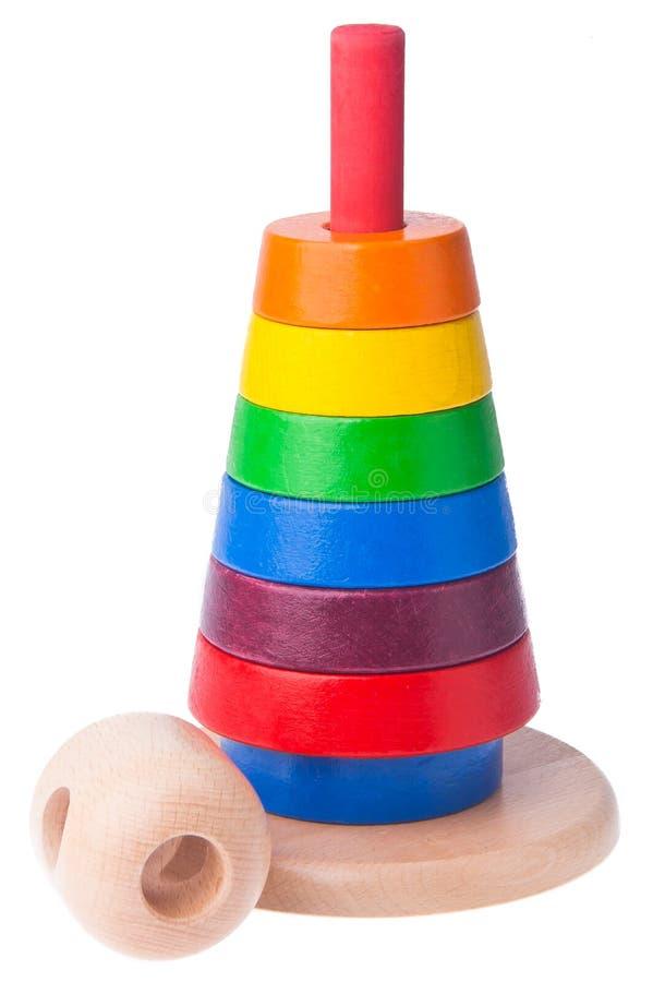 Apprentissage du jouet en bois de pyramide de couleur d'enfant image libre de droits