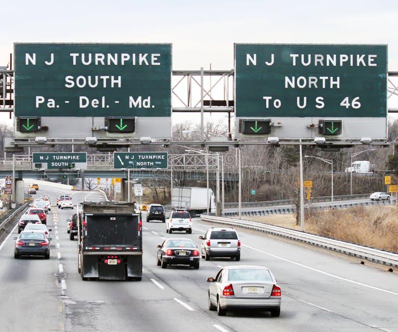 Approche à l'autoroute à péage du New Jersey images stock