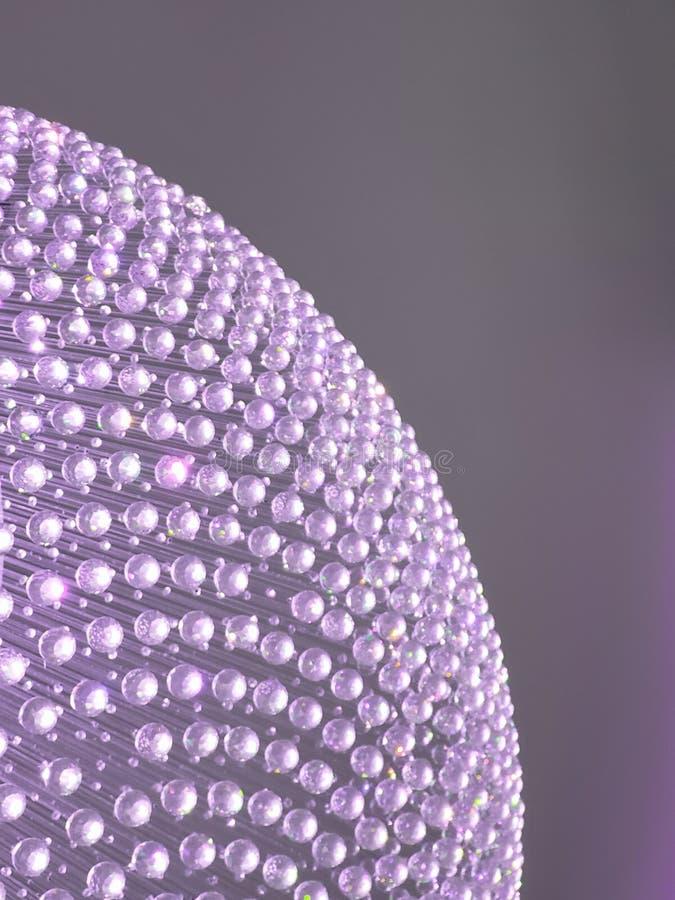 approche au coin d'une sphère des boules de cristal et de la réflexion de la lumière à la couleur, à l'arrière-plan et à l photos stock