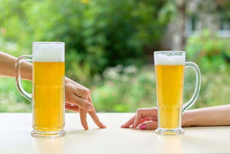 Approche de bière photos stock