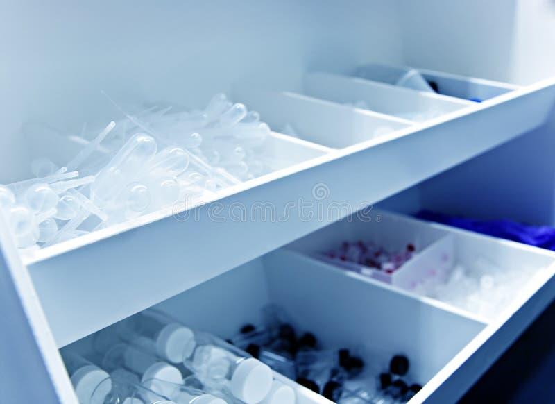 Approvisionnements de laboratoire photographie stock