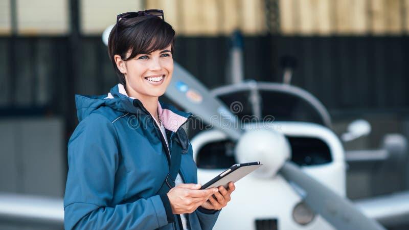 Apps del viaje y de la aviación imagen de archivo