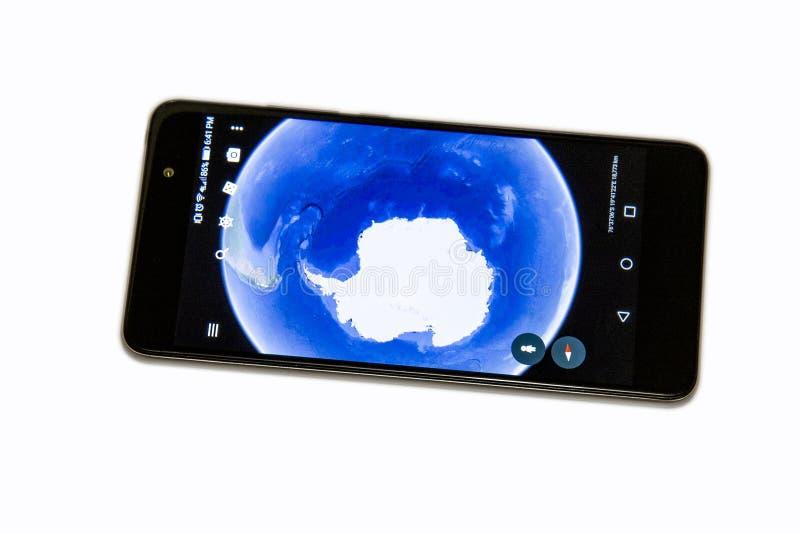 Apps espertos do telefone do telefone celular fotos de stock royalty free