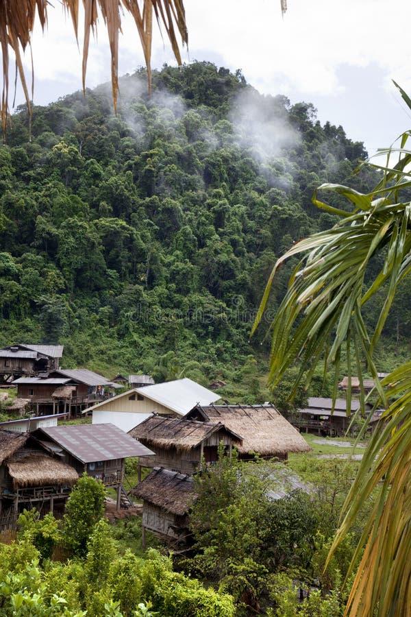 Village de Khamu. Les Laotiens photo stock