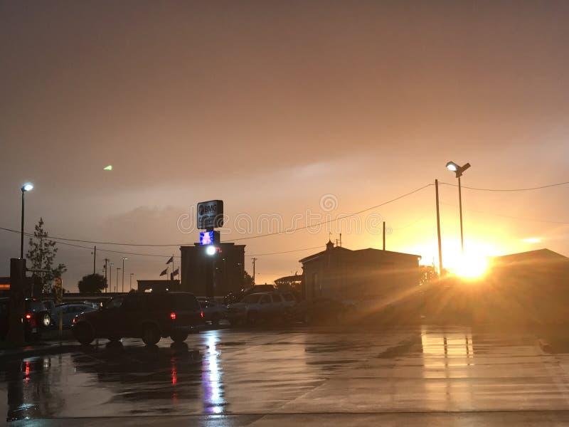 Après-midi de pluie de Sun photographie stock libre de droits